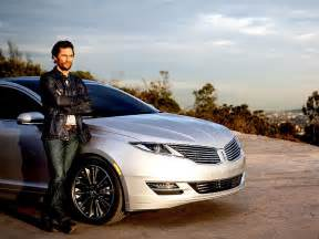 new lincoln car commercial look see matthew mcconaughey s new lincoln commercial