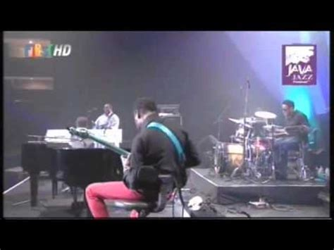 Snowflake Orangefreeze By Java Jazz joe sle the crusaders snowflake live at java jazz