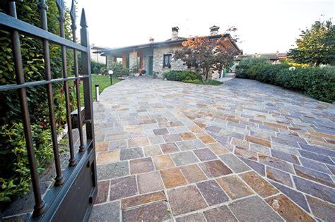 giardini esterni casa moderna roma italy pavimenti per giardini esterni