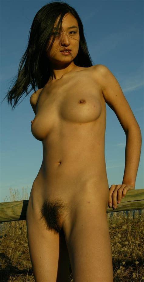 Sumiko Kiyooka Nude Office Girls Wallpaper