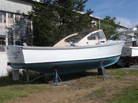 dyer 29 boat 1984 dyer 29 flush deck bass boat power boat for sale