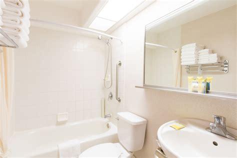 2 bedroom suites in waikiki 2 bedroom suites in waikiki includes kitchen