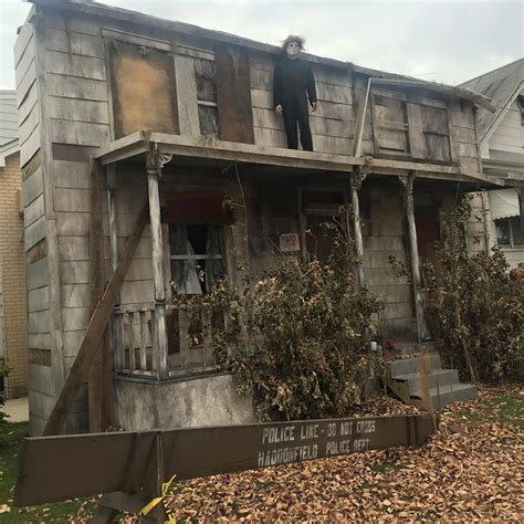 Michael Decoration Store by Someone Made A Size Michael Myers House For
