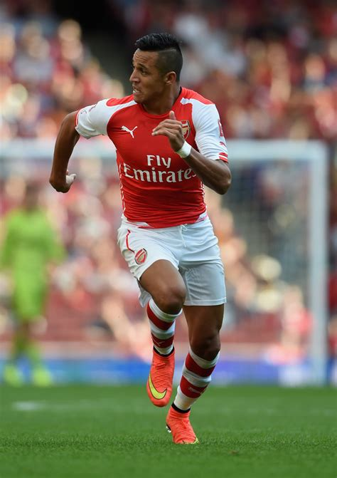 alexis sanchez vs arsenal alexis sanchez in arsenal v benfica zimbio