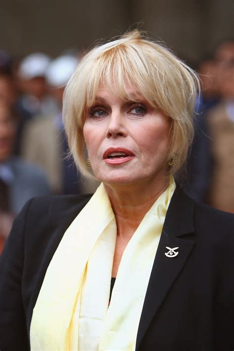 joanna lumley most recent hair style joanna lumley shows support for gurkhas challenging jacqui
