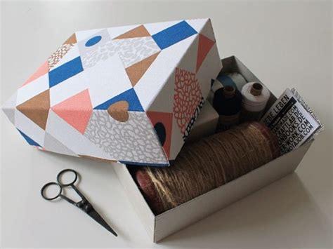 come rivestire una rivestire una scatola di cartone con la stoffa
