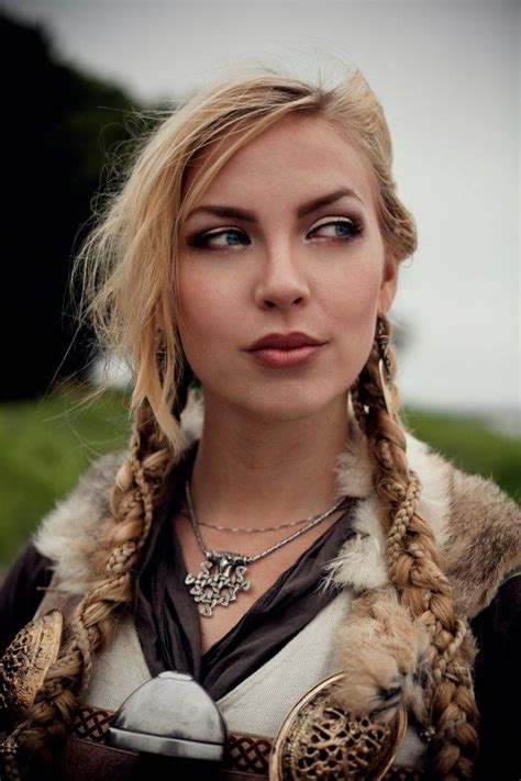 vikings hair style woman norsevikingqueen photo by wictoria nordgaard s 243 l at borre