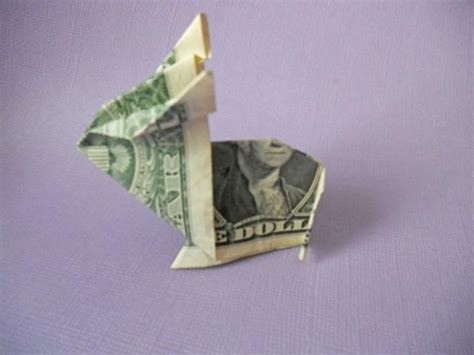 Easter Money Origami - 7 simple steps to an adorable money origami bunny