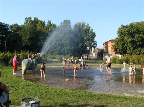 Britzer Garten Wasserspielplatz by Plansche Forckenbeckplatz Wasserspielpl 228 Tze Top10berlin