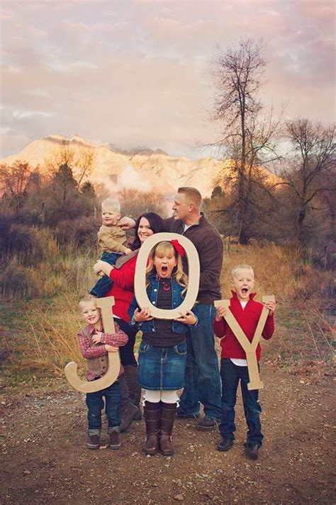 picture ideas for families merry christmas 2015 picture photo ideas for family couple