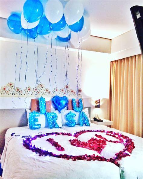 desain kamar folkadot dekorasi ulang tahun di kamar hotel surprise untuk pacar
