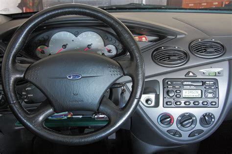 interni ford focus file fordfocus 1serie interno jpg