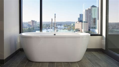 hotels with huge bathtubs hotels in near downtown with nice bathtubs austin