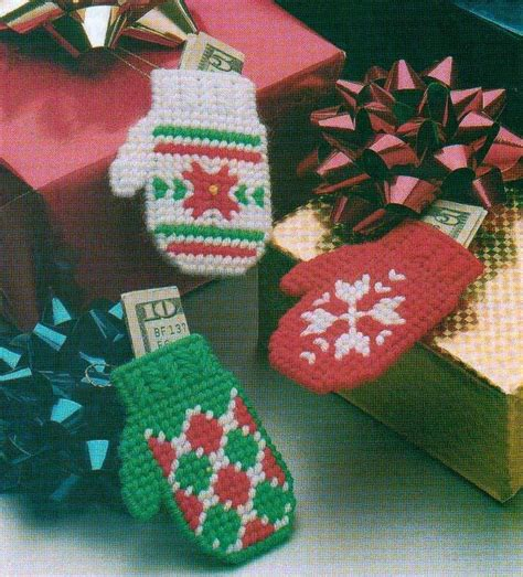 free patterns plastic canvas christmas gift mittens christmas plastic canvas pattern instructions