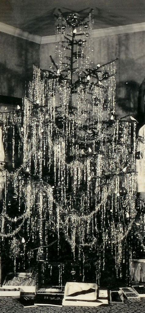 icicle garland for chrismas tree tinsel and garland decorating ideas