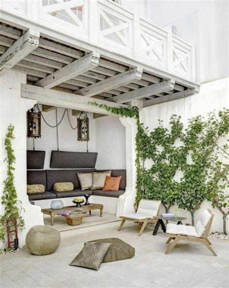 Summer Lounge Chairs Design Ideas 40 Mediterranean Terrace And Patio Decor Comfydwelling