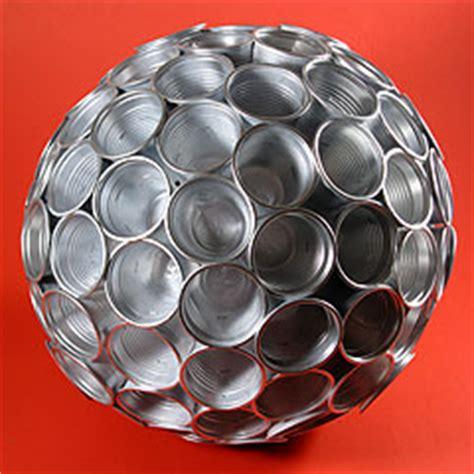 palla con bicchieri di plastica il diario di base cinque