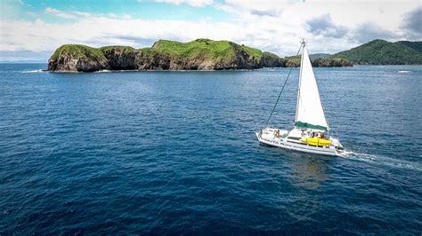 manta ray sailing catamaran costa rica manta ray sailing costa rica sailing snorkeling