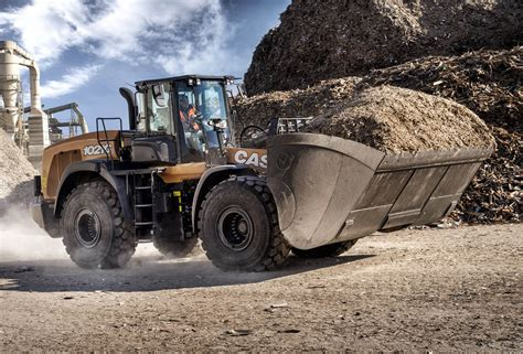 case celebrates  years  wheel loader manufacturing   case construction equipment