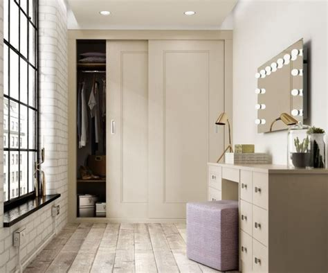 Bedroom Doors For Small Rooms 25 Best Ideas About Sliding Wardrobe Doors On