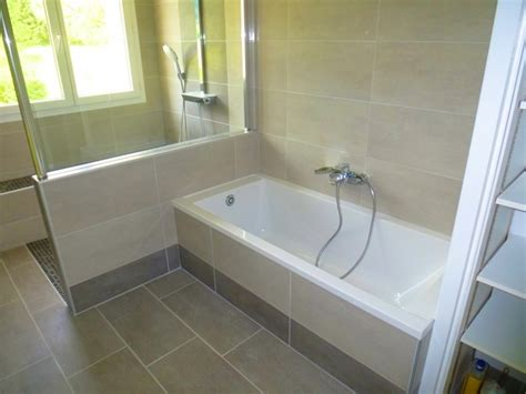 Superbe Schmidt Salle De Bain Catalogue #2: Modele-salle-de-bain-douche-italienne-nantes-carrelage-mural-salle-de-bain-rouge-rustique-20131300-nanterre-jeannette-batti-carrelage-mural-catalogue-deux-couleurs-a-lita.jpg