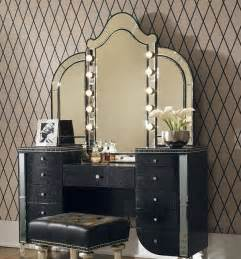 Lighted Vanity Table With Mirror And Bench Best 25 Vintage Makeup Vanities Ideas On Vintage Vanity Vanity Table Vintage And
