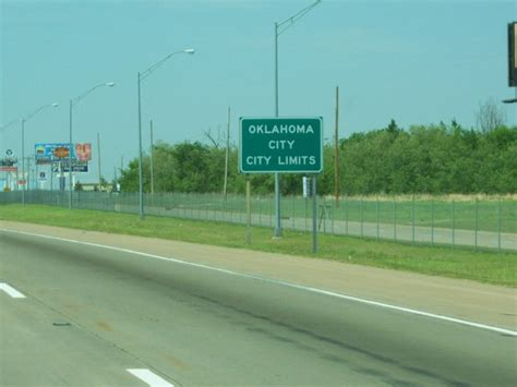 40 N Interstate 35 Apt Oklahoma City Ok City Limit Sign On I 35 Photo Picture