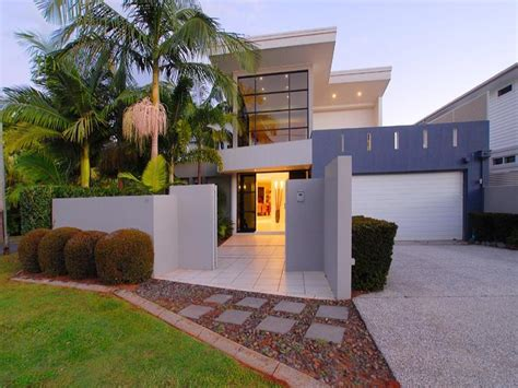 contemporary house designs houses and facades on modern 30 house facade design and ideas inspirationseek com
