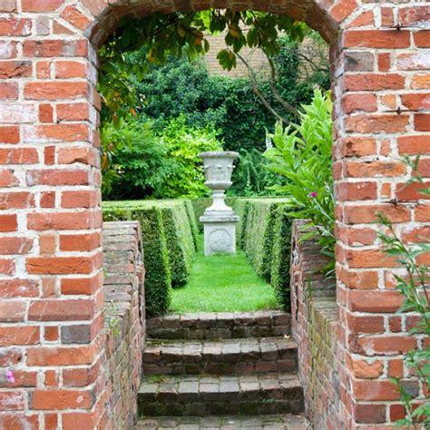 Garden Plot Ideas Make The Most Of A Narrow Plot Small Town Garden Ideas 10 Of The Best Housetohome Co Uk