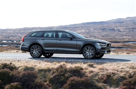 2017 volvo v90 cross country revealed performancedrive