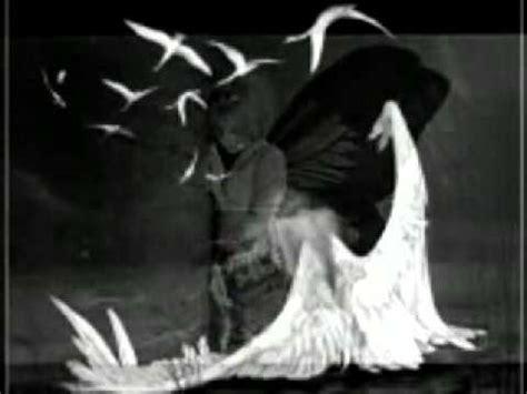 Musical Play Tidak Termasuk Alas grupo libra con las alas rotas