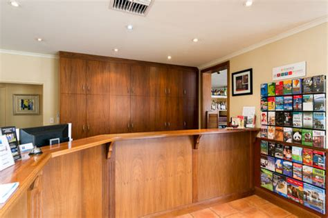 Hotels Hiring Front Desk by Glenelg Accommodation Comfort Inn Anzac Highway