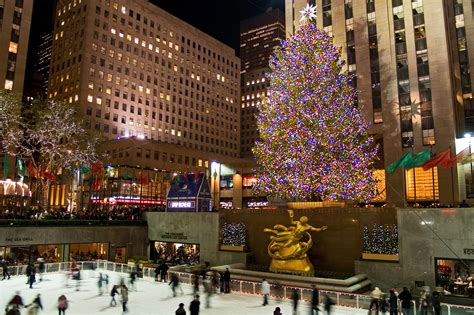 photos of the rockefeller center christmas tree through
