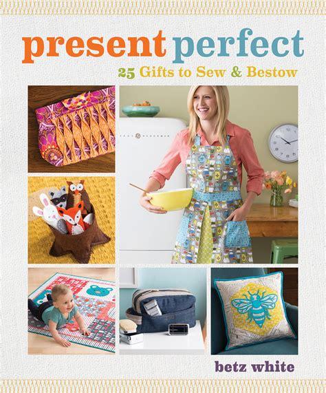pattern present perfect purse palooza pattern review present perfect sew