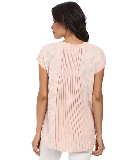 Pleats Top 28 lyst two by vince camuto sleeve oval jacquard pleat back top in pink