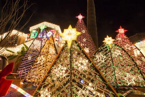 good christmas lights in the east valley 2018 8 shimmering neighborhood light displays events eastvalleytribune