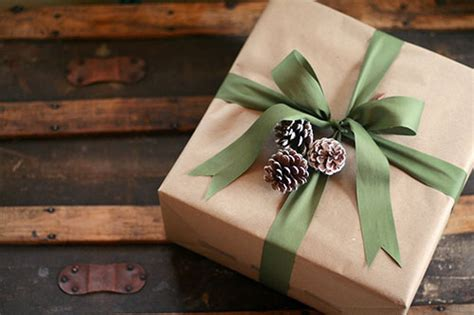 brown christmas gifts 18 brown paper gift wrapping ideas stayglam