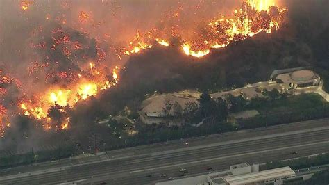 California Fires Drive From Homes To Hotels by Firefighters Race To Save Rupert Murdoch S Vineyard Estate