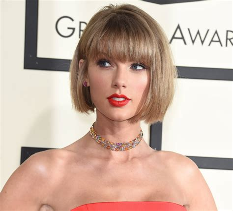 grammy awards 2016 watch taylor swift s hilarious