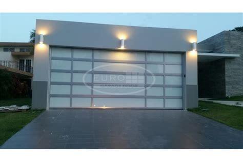 imagenes de zaguanes de herreria consejos de fotografa puerta para garage aluminio y cristal puerto rico
