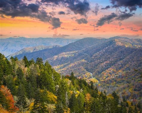 tennessee colors what is the best time of year to visit gatlinburg tn