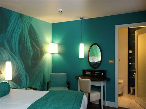 Best Wall Colors For Black Paintings | 25 best ideas about turquoise bedroom paint on pinterest