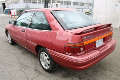 old car owners manuals 1998 ford escort engine control 1993 ford escort lx 5 speed manual 4 cylinder no reserve classic 1993 ford escort hatchback lx