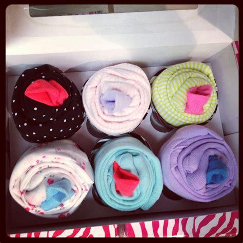 Baby Shower Onesie Cupcakes by Onesie Cupcakes Baby Shower Onesie