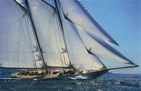 sailing boat unity yacht classic