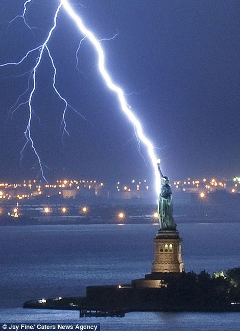 New Lights by Eiffel Tower And Statue Of Liberty Among World Landmarks Struck By Lightning Daily Mail