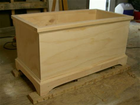 woodwork build  wooden toy box  plans