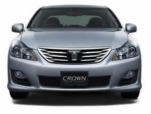 Crown Toyota Toyota Crown Hv Photo 3 1323