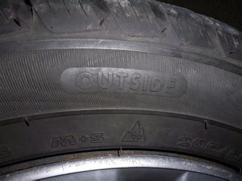 Motorrad Reifen Laufrichtung by Bezeichnung Reifen Flanke Laufrichtung Winterreifen