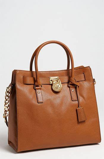 light brown mk purse stassi schroeder s brown purse big blonde hair